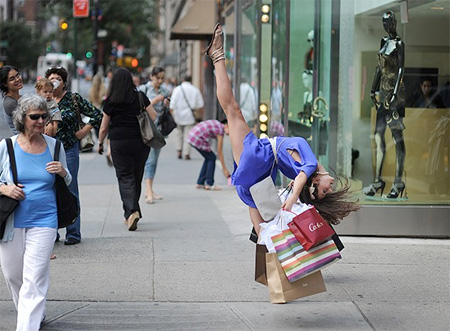 Shopping Dancer