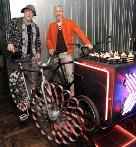 Bicycle with Metal Wheels