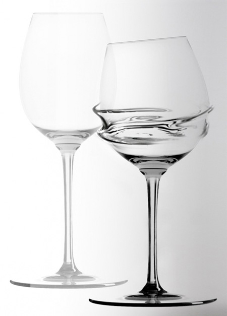 Ambiguo Wine Glass
