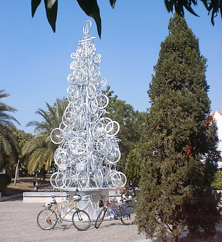 15 Unusual Christmas Trees