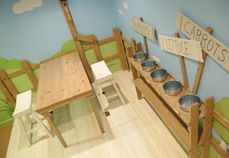 Indoor Tree House. Modern Bedroom