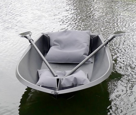 Folding Boat by Arno Mathies and Max Frommeld