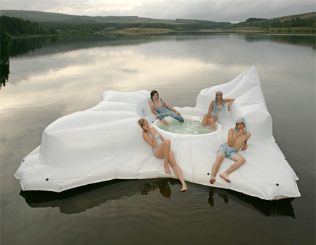 Iceberg Hot Tub