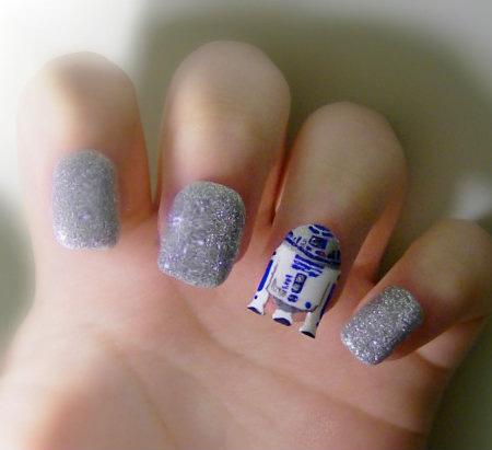 R2-D2 Nails