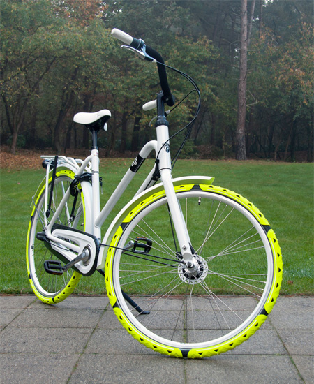 Bike Spikes by Cesar van Rongen