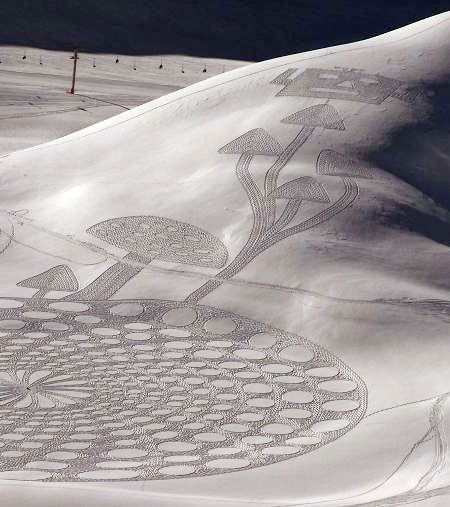 Snow Drawings by Simon Beck
