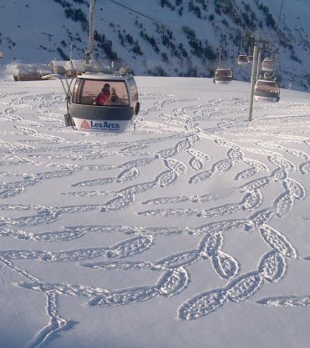 Snow Pattern by Simon Beck