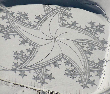 Drawing on Snow by Simon Beck