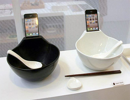 Ramen Bowl iPhone Dock