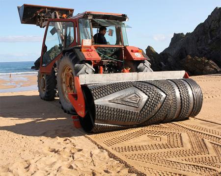 Beach Drawing Machine
