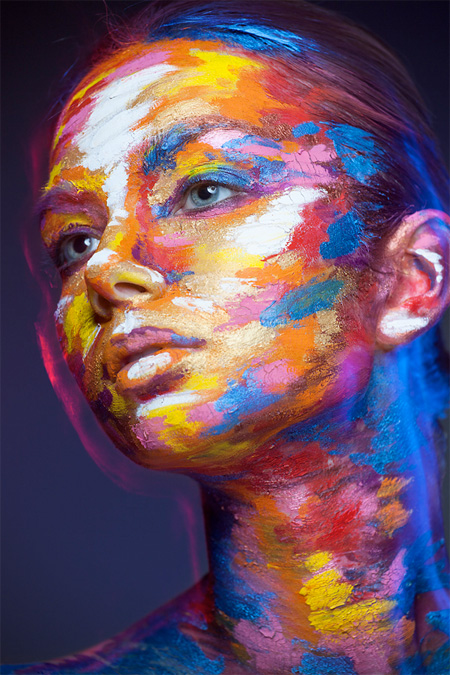 Faces Transformed into 2D Paintings