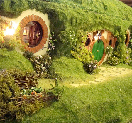 Hobbit Dolls House