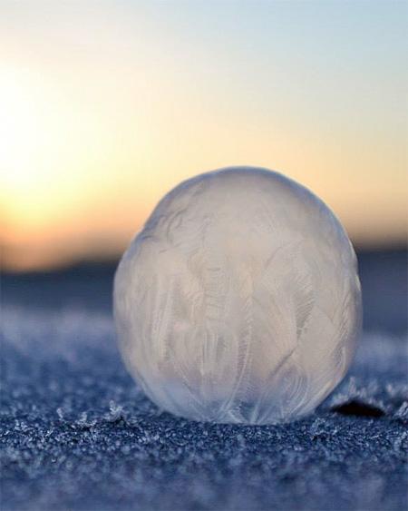 Frozen Bubble Photography