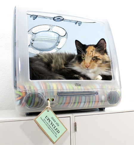 Apple Computer Pet Bed