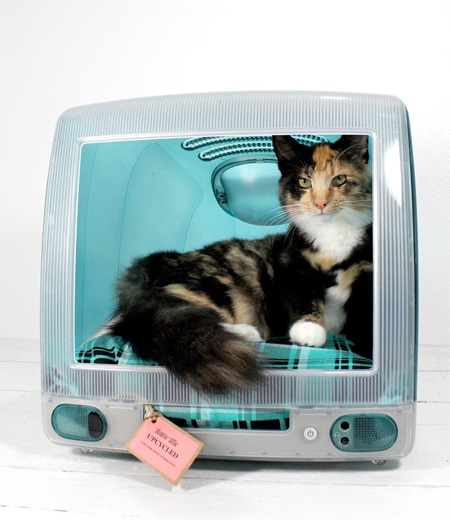 Apple iMac Pet Bed