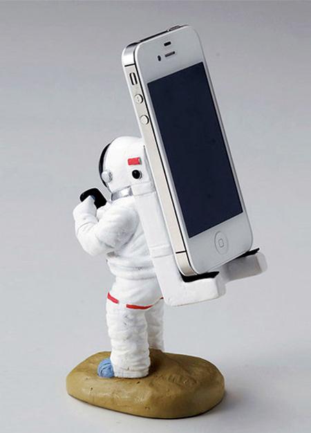 Astronaut Smartphone Holder