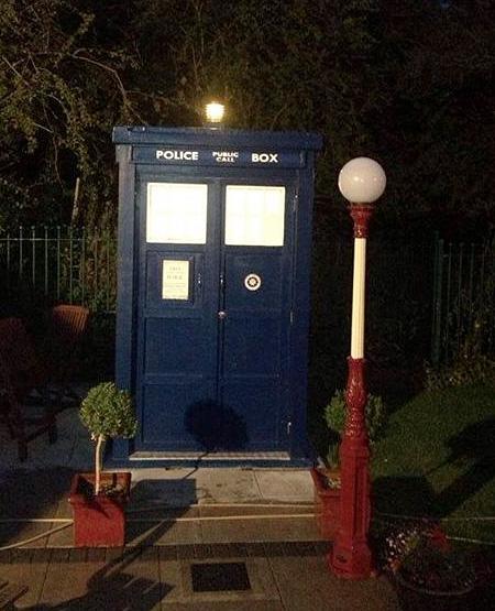 Justin Hoggans TARDIS Bathroom