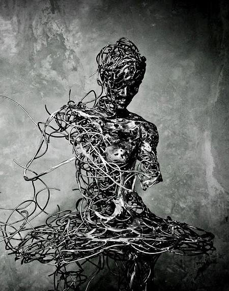 Regardt van der Meueln Sculpture