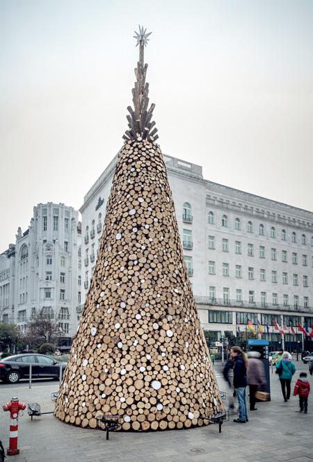 Hello Wood Christmas Tree