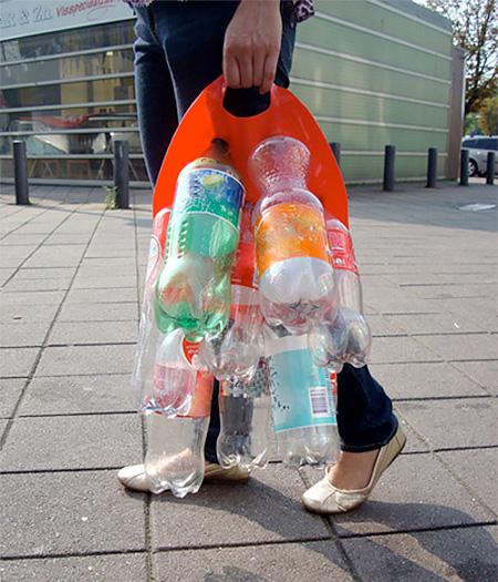 pbcarrier03 - وسیله ای برای حمل بطری خالی!