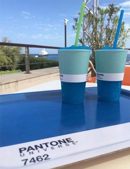 Pantone Colours Cafe