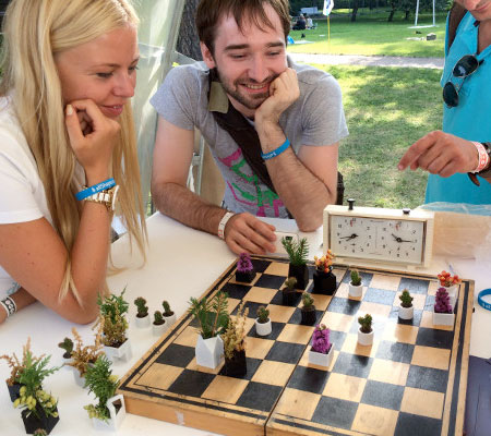 Micro Planter Chess Set