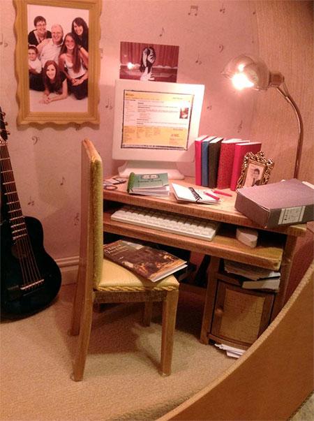 Fairy Meadow Miniatures Guitar Dollhouse