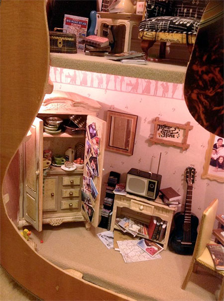 Fairy Meadow Miniatures Guitar Doll House
