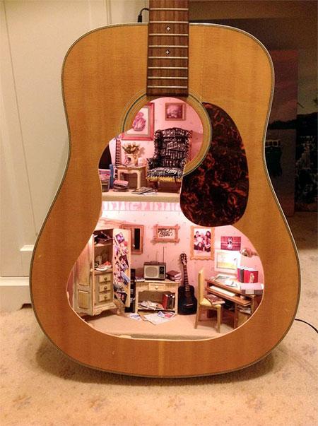 Lorraine Robinson Guitar Dollhouse