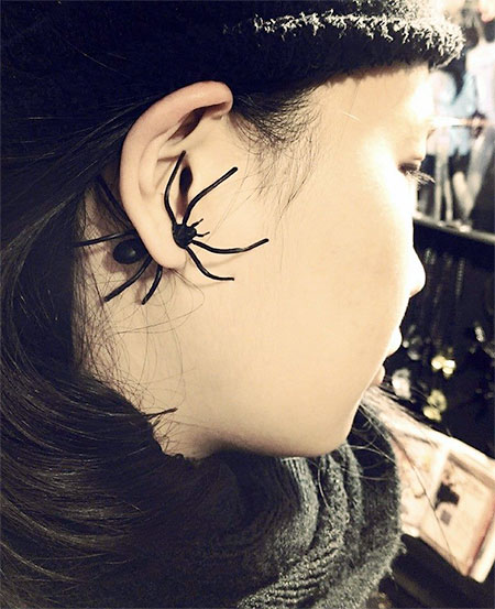 Realistic Spider Earrings