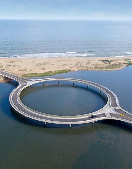 Vinoly Circular Bridge