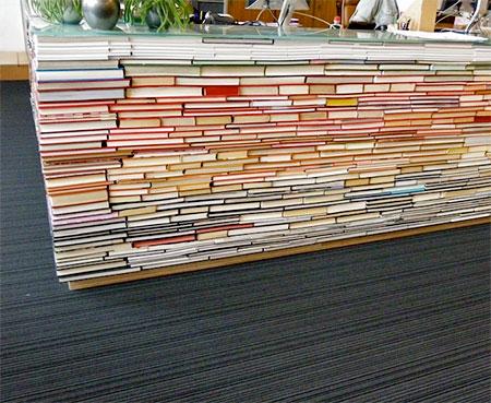 Delft University of Technology Book Desk