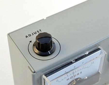 AWK-105 Voltmeter Clock