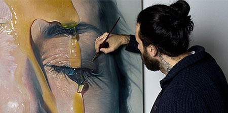 Realistic Paintings by Mike Dargas