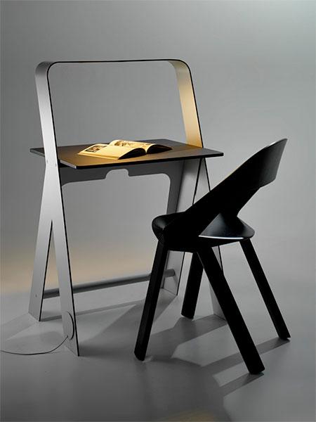 Torafu Light Desk