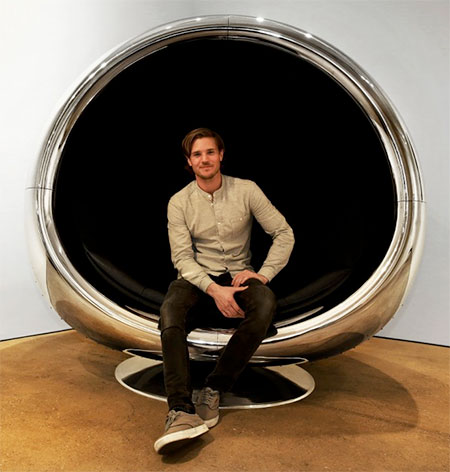 Boeing 737 Engine Chair