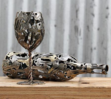 Key Wine Glass