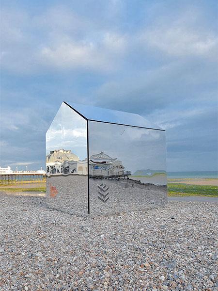 Mirror Beach Hut