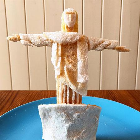 Toast Sculptures