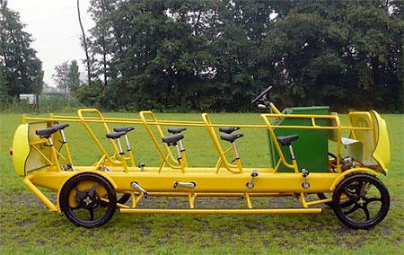 De Cafe Racer School Bus