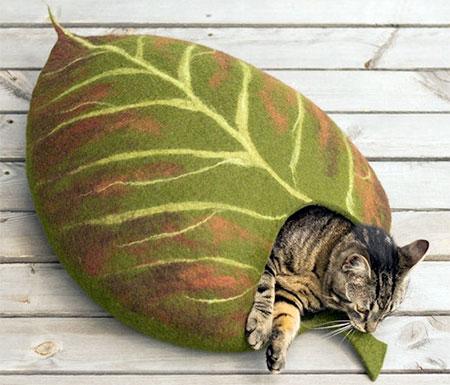 Elevele Leaf Cat Bed
