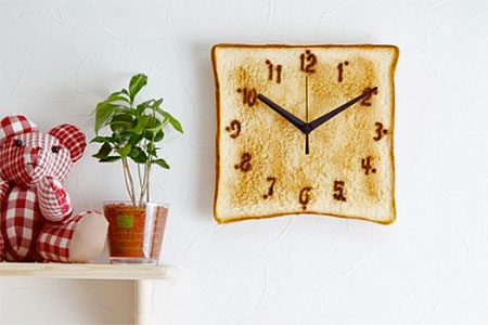 Toast Clock from Japan