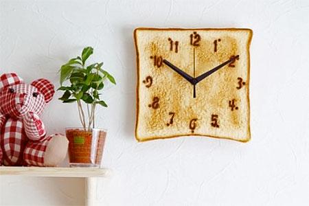 Toast Clock from Japan