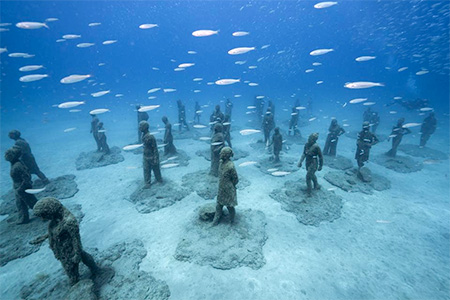 Jason Decaires Underwater Sculpture
