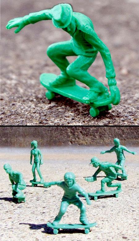 Toy Skateboarders