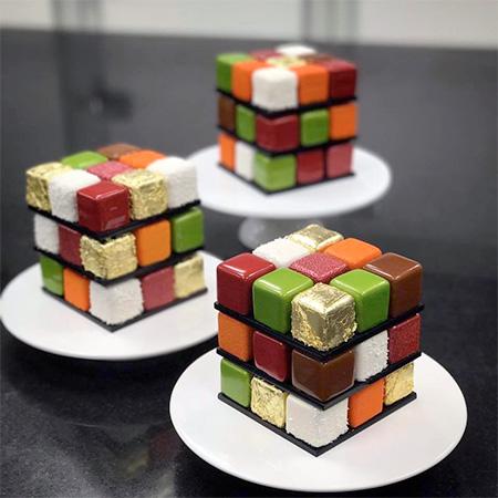 Rubiks Cube Cakes