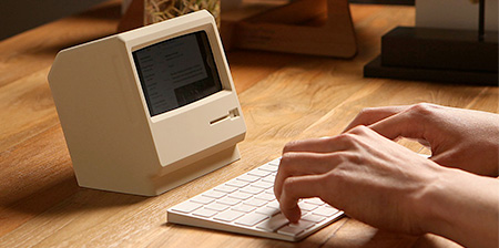 Macintosh iPhone Stand
