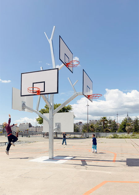 a LTA Basket Tree