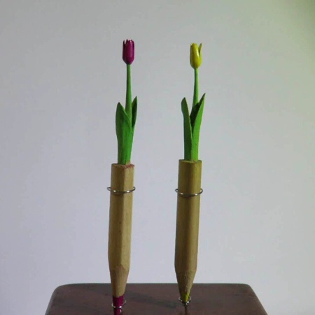 Chien Chu Lee Pencil Carvings