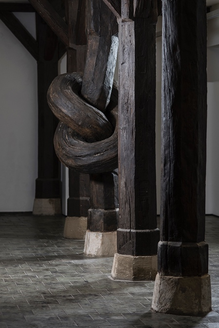 Alex Chinneck Knot Column